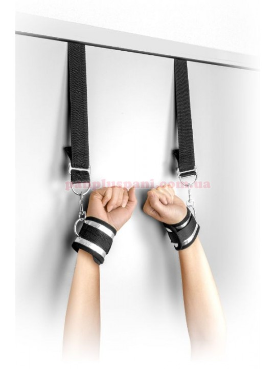 Наручники Fetish Tentation Submission bar with handcuffs and collar на двері