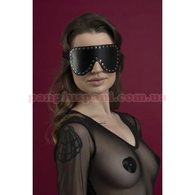 Маска на очі Feral Feelings Blindfold Mask з заклепками чорна